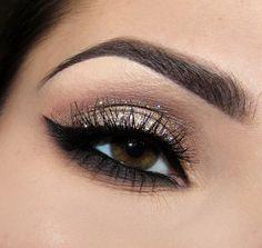 glittery smoky eye