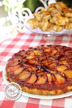 Erikli Ters Yüz Kek Tarifi | Mutfak Sırları