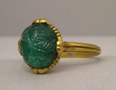 Engraved emerald set in a gold ring, France (?), 17th century (?)