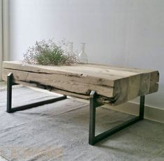 Put a vase/pot in the table Metal Furniture, Rustic Furniture, Diy Furniture, Furniture Design, Diy Coffee Table, Wood Interiors, Patio Table, Living Room Art, Deco Design