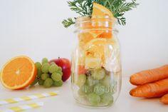 Oster Smoothie: Karotten-Apfel-Ananas Smoothie #ostern #smoothie #ostersmoothie #happyeaster #rezept #ballmason #ballmasonjar