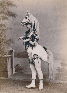 VICTORIAN CURIOSITY HORSE WOMAN PONYGIRL CIRCUS SIDESHOW FREAK SHOW FREAKSHOW