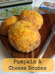 Pumpkin and Cheese Scones - Easy Recipe Pumpkin Recipes, Fall Recipes, Cheese Scones, Yummy Food, Delicious Recipes, Easy Meals, Food And Drink, Cooking Recipes, Snacks