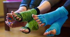 Křehký jablečný závin recept - TopRecepty.cz Marceline, Leg Warmers, Fingerless Gloves, Leg Warmers Outfit, Fingerless Mitts, Fingerless Mittens