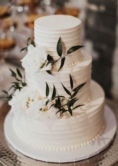 Elegant wedding ideas to wow your guests---classy elegant wedding cake with pear and floral decorations for garden wedding in fall and winter, country backyard wedding ideas. wedding winter 13 Ways to Hold Elegant Weddings Floral Wedding Cakes, Wedding Cakes With Cupcakes, Wedding Cakes With Flowers, Wedding Cake Designs, Wedding Cake Photos, Flower Cakes, Floral Cake, Simple Elegant Wedding, Elegant Wedding Cakes