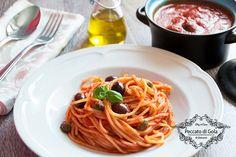 Italian Food ~ ~ spaghetti olives and capers Fun Cooking, Cooking Recipes, Healthy Recipes, Italian Foods, Italian Recipes, Spaghetti, Linguine, Mamma, Polenta