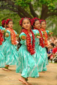 Dance Hawaiian... so sweet.