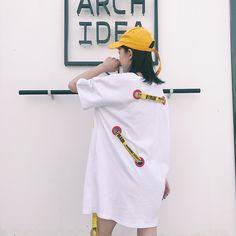 原宿系イエローのデジタルロゴがプリントされたオーバーシルエット半袖Tシャツ Loose Shirts, Korean Street Fashion, Street Style, Mens Fashion, Winter, T Shirt, Outfits, Clothes, Accessories