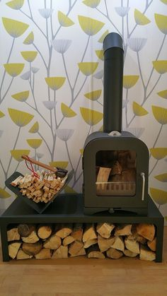 The V2 (2kw) Studio Modern wood burning stove is a large capacity 2KW wood burning stove ideal for small rooms, conservatories,  narrow boats, conservatories and out-buildings up to 30 cubic meters https://www.vestastoves.co.uk/product/woodburning-stove-2kw-vesta-v2/ #stove #woodburner #logburner