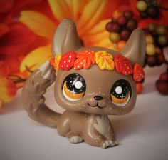 Littlest Pet Shop Autumn Fall Chinchilla OOAK by LittleCustomShop Lps Littlest Pet Shop, Little Pet Shop Toys, Little Pets, Custom Lps, Anniversary Crafts, Lps Accessories, Daddys Little Princess, Biscuit, Lps Toys