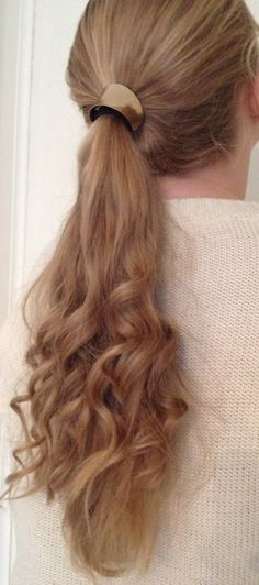 Curly ponytail <3