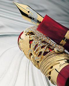 wealthandluxury:    Montegrappa Eternal Bird Diamond & Gold Fountain Pen