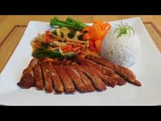 White Dragon, Asian Recipes, Poultry, Zucchini, Pasta, Meat, Food, Sushi, Vietnam