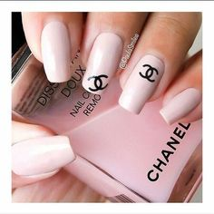 Chanel nails <3