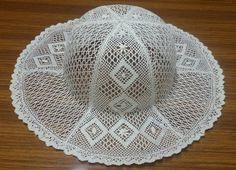 14 de mayo de 2016 - Motera Luengo - Веб-альбомы Picasa Lace Making, Bobbin Lace, Knitting Stitches, String Art, Diy And Crafts, Creations, Crochet Hats, Feminine, Album