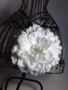 Hair clip: White flower hair clip hair accessory with beautiful pearl and rhinestone accent, white hair clip, white hair flower by VittysPretties on Etsy