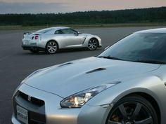 Two Nissan gtr
