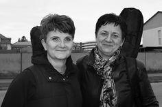 Fotoprojekt Usmej sa a zmen svet - usmevy pani Julie a Lubice, ktore som stretla cestou z hodiny gitary :) https://www.facebook.com/usmejsaazmensvet