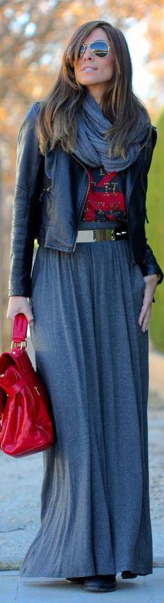 Falda negra chaqueta y bufanda