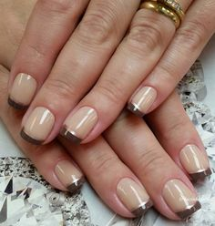Beige, brown and gold themed French tips. If you over earthy colors then this color ensemble are best for you, separate the base and the French tip colors with a thin gold strip in between.