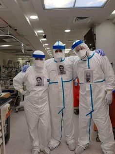 Doctors putting own pictures on PPE so patients can see who's treating them Garden Of Cosmic Speculation, Slack Off, One Word Art, Digital Text, Doctor In, Make You Smile, Health Care, Health Tips, Memes