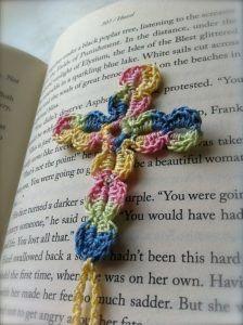 Crochet Cross Bookmark with Written Crochet Angels, Crochet Cross, Thread Crochet, Crochet Motif, Crochet Stitches, Free Crochet, Easy Crochet Bookmarks, Crochet Bookmark Patterns Free, Crochet Butterfly Free Pattern