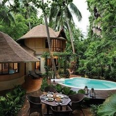 Tropical Home Design. Tranquil & Restfull & Peaceful Home.