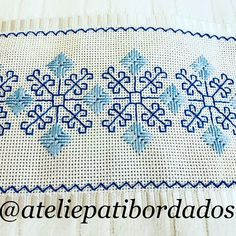 Patricia S. Kasuti Embroidery, Swedish Embroidery, Embroidery Works, Cross Stitch Embroidery, Motifs Bargello, Motifs Blackwork, Bargello Patterns, Cross Stitch Bookmarks, Cross Stitch Borders