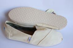 Toms Womens Classic Natural Canvas Light Beige Ballet Flats Slip On Casual Shoes Size 9.5