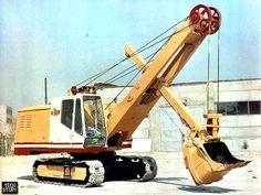Экскаватор ЭО-4112А-1 с оборудованием прямой лопаты с ковшом емкостью 0,75 м3