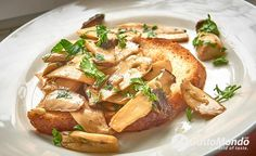 """The king oyster mushrooms are not at all similar to the """"normal"""" oyster mushrooms. Better flavour, silky texture and great on toast, give them a try. King Oyster Mushroom Recipe, Mushroom Toast, Mushroom Recipes, Oysters, Bacon, Garlic, Stuffed Mushrooms, Chicken, Meat"""