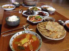 #KoreanFood #Food #Korea Korean dining at home. 한국인의 가정식