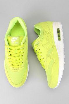 Nike Air Max Sneaker.