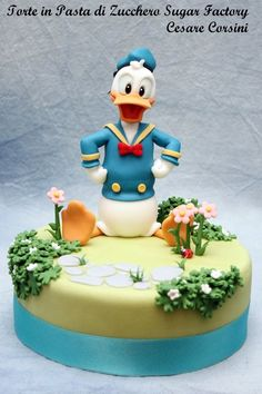 Donald Duck Cake made by Torte in Pasta di Zucchero Sugar Factory Mickey And Minnie Cake, Bolo Mickey, Disney Mickey, Disney Themed Cakes, Disney Cakes, Theme Cakes, Delicious Cake Recipes, Yummy Cakes, Pasteles Cake Boss