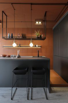 A black and white decor in a living room does not necessarily rhyme with slightly boring monochrome look. All you need is the right accessories and key furniture to add contrast and relief to your room. Kitchen Corner, Kitchen Room Design, Diy Kitchen, Kitchen Interior, Budget Home Decorating, Interior Decorating, Interior Design, Casa Milano, Cocinas Kitchen