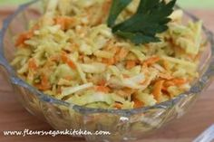 Celeriac, carrot and apple salad - fleursvegankitchen Apple Slaw, Celeriac, Guacamole, Vegan Recipes, Vegan Food, Cabbage, Avocado, Salads, Paleo