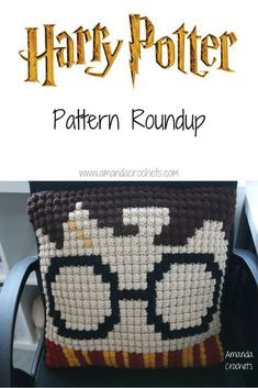 Yes, today marks the young wizard's birthday. In honor of Harry Potter's birthday, I'm putting together a magical Harry Potter pattern roundup made by some talented p… Crochet Pillow Pattern, C2c Crochet, Crochet Stitches Patterns, Crochet Home, Crochet For Kids, Baby Blanket Crochet, Free Crochet, Crochet Chain, Crochet Blankets
