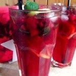 Malinový ledový čaj Korn, Shot Glass, Smoothies, Detox, Food And Drink, Homemade, Drinks, Tableware, Med