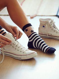 So werden Sheer Socks im Jahr 2018 zum Trend, Dies-ist-wie-Sheer-Socken-sind -Becoming-a-Trend , MODETRENDS Si eres co. Funny Socks, Cute Socks, My Socks, Happy Socks, Awesome Socks, Sheer Socks, Fashion Socks, Ankle Socks, Sock Shoes