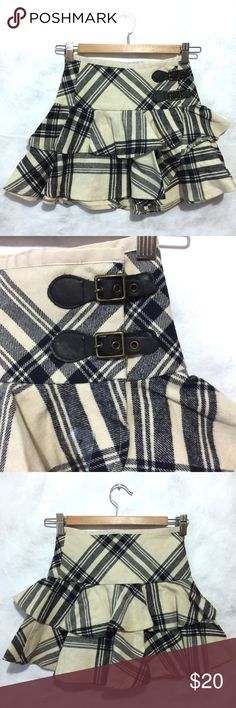 Beautiful Wool Ralph Lauren Plaid Ruffles Skirt 7 Beautiful Wool Ralph Lauren Plaid Ruffles Skirt size 7 so cute. Thank you for looking.🙏🏼❤️ Ralph Lauren Blue Label Bottoms Skirts