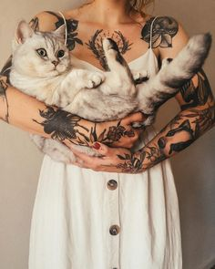 Tattoos For more visit GymLiv. Future Tattoos, Love Tattoos, Girl Tattoos, Tatoos, Piercings, Piercing Tattoo, Et Tattoo, Tattoo Wave, Tattoo Music