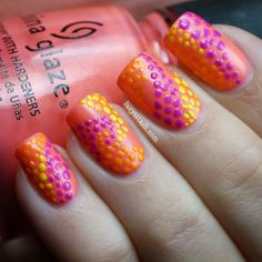Hi everybody! The third day of the Summer Challenge is here and the theme is Summer Dots! I chose to use four shades from China Glaze Summer Neons Collection (which I'll review next): Pink Plumeria, Sun-Kissed, Orange You Hot? and Beach Cruise-r. I didn't...