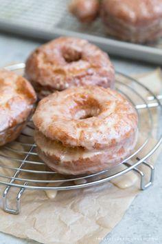 Cream Donut Recipe, Sour Cream Donut, Savory Breakfast, Sweet Breakfast, Breakfast Recipes, Baked Donuts, Doughnuts, Donut Recipes, Baking Recipes