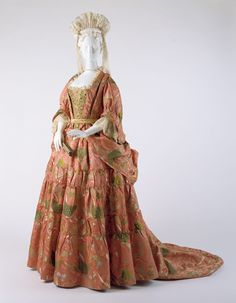 Mantua  Date: ca. 1708 Culture: British Medium: silk, metal Credit Line: Purchase, Rogers Fund, Isabel Shults Fund and Irene Lewisohn Bequest, 1991 Accession Number: 1991.6.1a, b