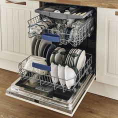 Regardless of whether you choose to leave the front of the dishwasher on display or cover it, with its clean, smooth lines a fully integrated model will improve the appearance of any kitchen. Kitchen Cabinet Handles, Kitchen Drawers, Kitchen Shelves, Door Handles, Black Dishwasher, Fully Integrated Dishwasher, Dishwasher Tablets, Kitchen Board, Home