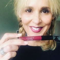 Todays turkey trot is brought to you by sweet delicious cranberry-colored lips.  Happy Thanksgiving yall.  #pamelaleschmakeup  #lauragellerbeauty  #fiftykisses  #50kisses #fitty  #makeoutmerlot  #liplockingliquidcolor
