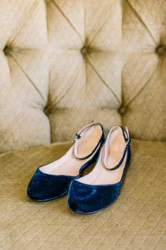 63 Trendy Ideas For Wedding Shoes Blue Velvet Blue Wedding Shoes, Wedding Flats, Bridal Shoes, Blue Flats, Blue Shoes, Wedding Gifts For Groomsmen, Old Hollywood Glam, Floral Flats, Velvet Shoes