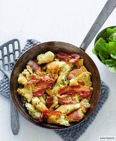 Petersilien-Speck-Schmarren, ersetzt das Mehl mit Low carb Mehl, oder lasst es weg, dann habt ihr ein low carb Essen.