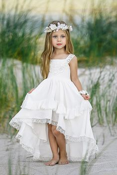 Country Flower Girl Dresses That Are Pretty ★ See more: weddingdressesgui. Source by girl dress Pretty Wedding Dresses, Wedding Flower Girl Dresses, Country Wedding Dresses, Flower Girl Beach Wedding, Boho Flower Girl, Heart Flower, Kids Wedding Dress, Flower Dresses, Pretty Flower Girl Dresses