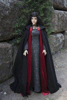 The BJD costume inspired by Morgan gown (Camelot series) pre-order.  Costume includes: - the brocade dress with leather decorating; - the velvet sleeveless mantle; - woollen cloak with hood; - leather headband.  The colour or/and materials can be changed (Ill inform you if so). Please note that the costume production time is calculated individually.  If you have any questions, please feel free to contact me.